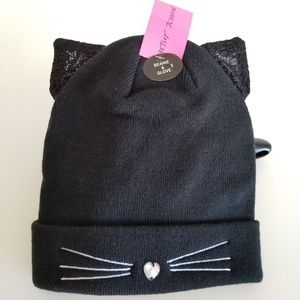 Betsey Johnson black kitty beanie and glove set